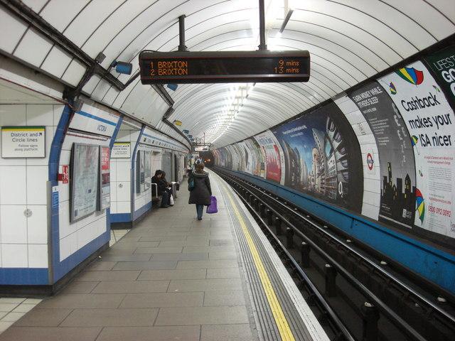 Victoria_Underground_Station_-_geograph.org.uk_-_527341