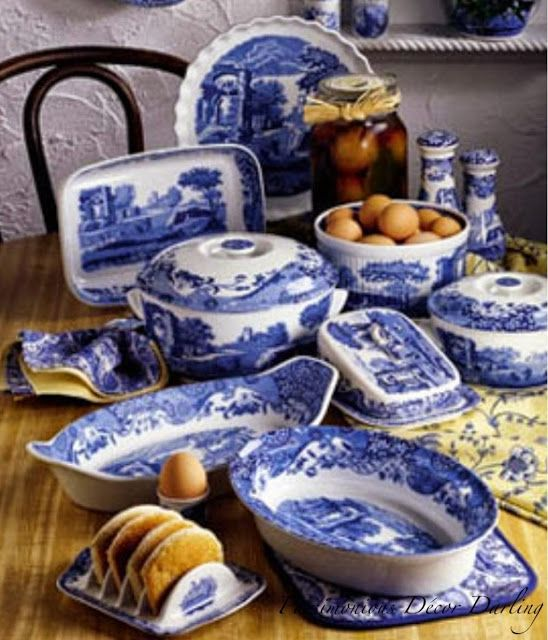 b24175fd1152603d873addbbf68f5709--blue-pottery-blue-china.jpg